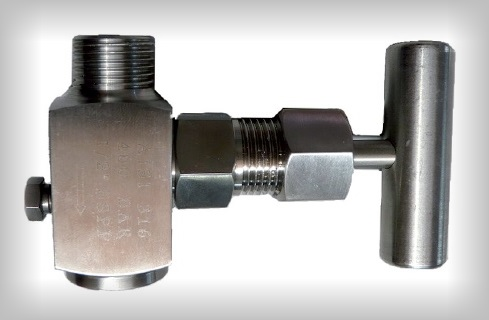 Needle valves and manifolds